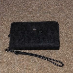 MK wristlet with phone holder